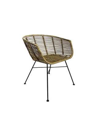 RATTAN CHAIR WITH CUSHION�